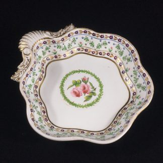 Chamberlains Worcester shell dish, rose wreath pattern, c. 1810-0
