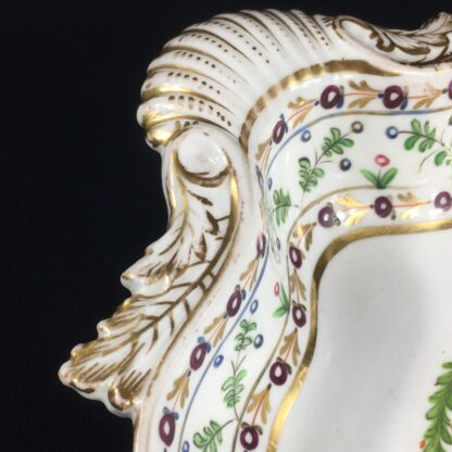 Chamberlains Worcester shell dish, rose wreath pattern, c. 1810-27661