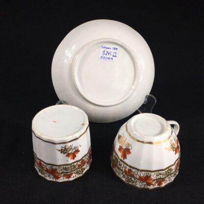 Coalport fluted trio with 'fruiting vine' pattern, c. 1800-26623