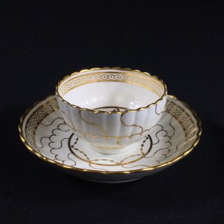 Caughley fluted gold Queen's pattern tea bowl and saucer, c.1780 -0