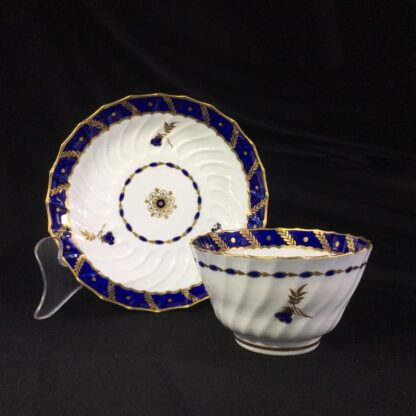 Flight Worcester teabowl & saucer, gilt & blue pattern, c. 1795-27086