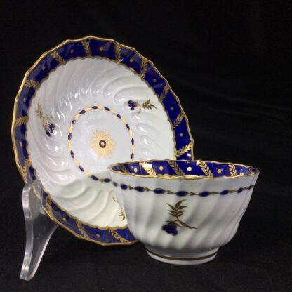 Flight Worcester teabowl & saucer, gilt & blue pattern, c. 1795-0