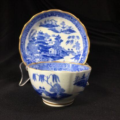 Miles Mason porcelain teabowl & saucer, printed 'pagoda' pattern, c. 1810 -27292