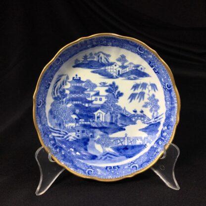 Miles Mason porcelain teabowl & saucer, printed 'pagoda' pattern, c. 1810 -27293