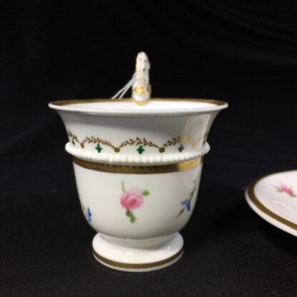 Nantgarw cup and saucer, serpent handle & flower sprigs, c. 1818-27264