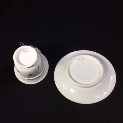 Nantgarw cup and saucer, serpent handle & flower sprigs, c. 1818-27272