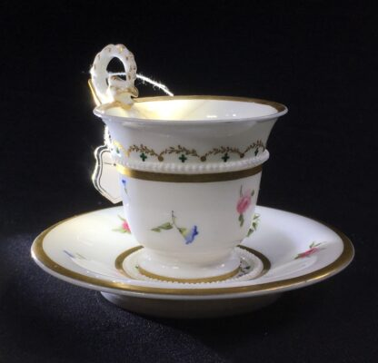 Nantgarw cup and saucer, serpent handle & flower sprigs, c. 1818-27274