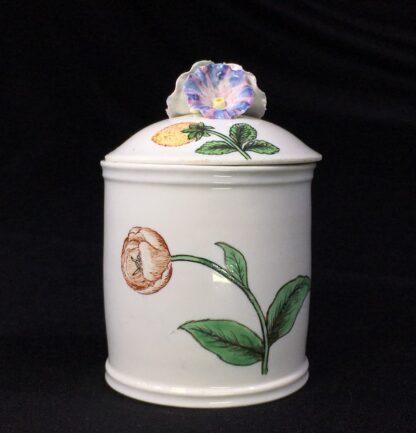 Chantilly pomade pot with rare Holzschnittblumen (Woodcut Flowers) after Meissen, c. 1755-27637