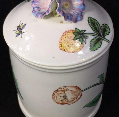 Chantilly pomade pot with rare Holzschnittblumen (Woodcut Flowers) after Meissen, c. 1755-27638