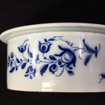Pearlware potted meat pan, Worcester style flowers, c. 1770 -28177