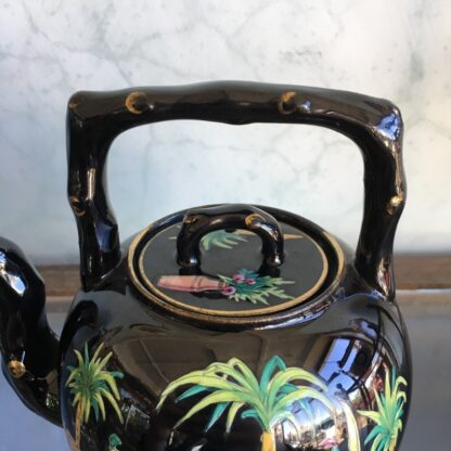 Dudson black tea kettle with colourful Chinoiseries, Euterpe pattern, c1875-28496