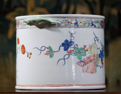 Chantilly Kakiemon 'Seau à rafraîchir' ice bucket, c. 1735-29692