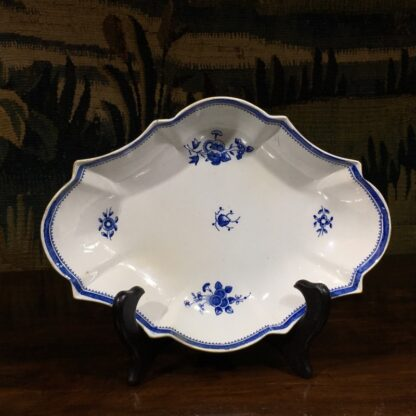 Spode oval fluted serving dish, blue and white flower sprig printed, c. 1800 -0
