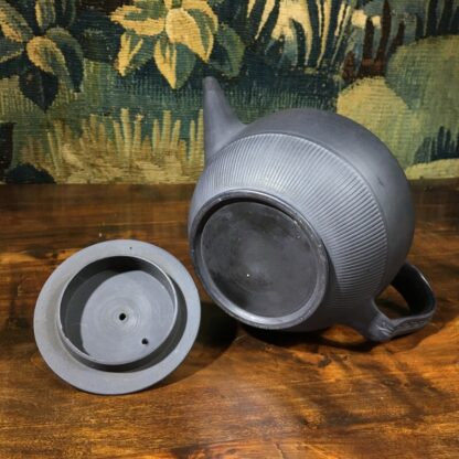 Black basalt teapot with engine turning, widow knop, c. 1800-29664