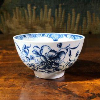 Worcester Mansfield pattern teabowl, C. 1770 -0