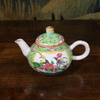 Cantonese Chinese miniature teapot, 19th century. -0