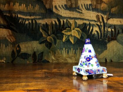 Spode conical shape pastille burner, Imari colours, c.1810. -30843