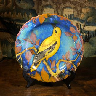 Gouda charger, 'Unique' ware, bird by Johannes van Schaick c.1930-0