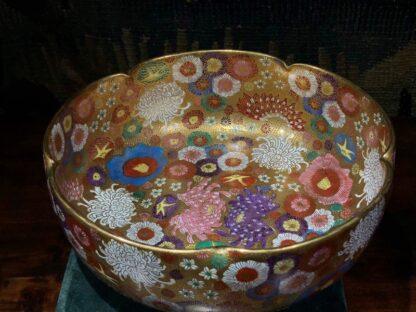 Japanese Satsuma bowl with rich 'Thousand Flower' pattern, c.1920-32524