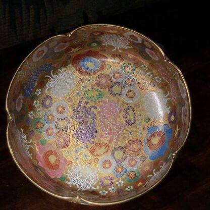 Japanese Satsuma bowl with rich 'Thousand Flower' pattern, c.1920-32523