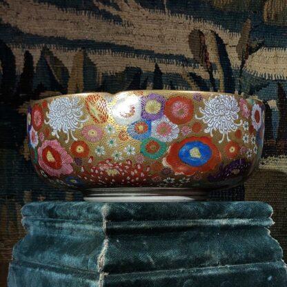 Japanese Satsuma bowl with rich 'Thousand Flower' pattern, c.1920-32526