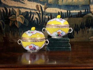 Pair of Vienna ecuelle - covered broth bowls, c. 1800-0