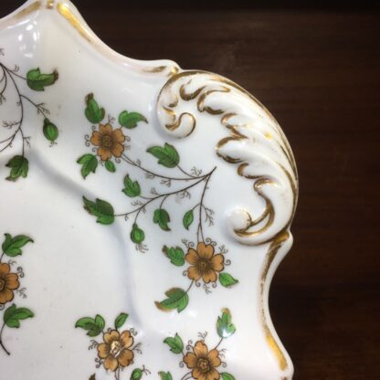 English porcelain serving dish, daisy sprigs, c. 1820-33987