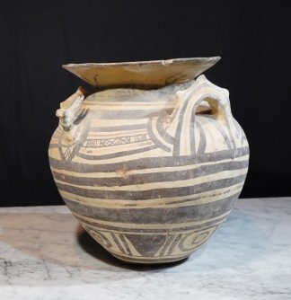 Daunian (North Apulian) Greek geometric pottery vessel 525 BC