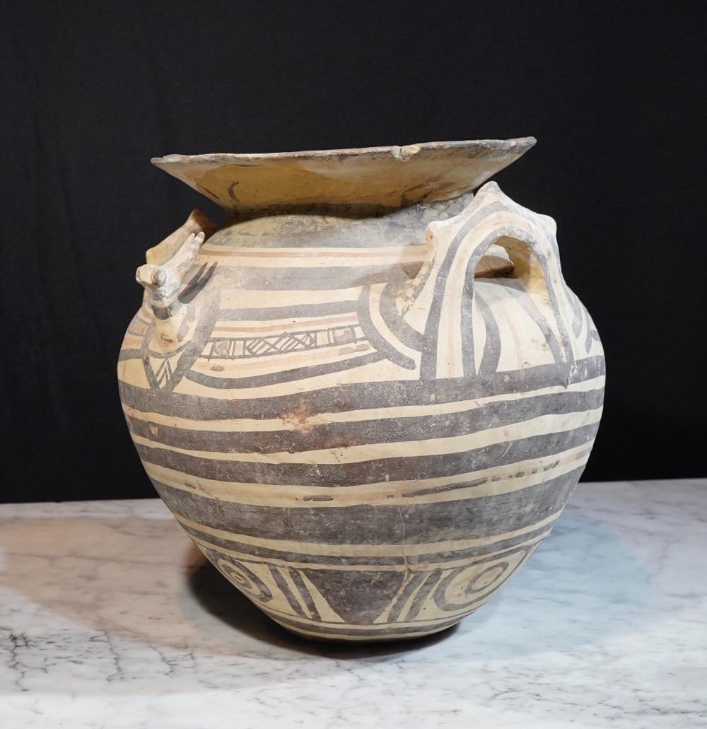 Daunian (North Apulian) Greek geometric pottery vessel 525 BC
